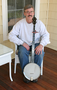 Ken with his Seeger banjo